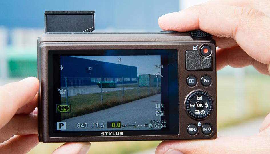 olympus-xz-10-digikaamera-2