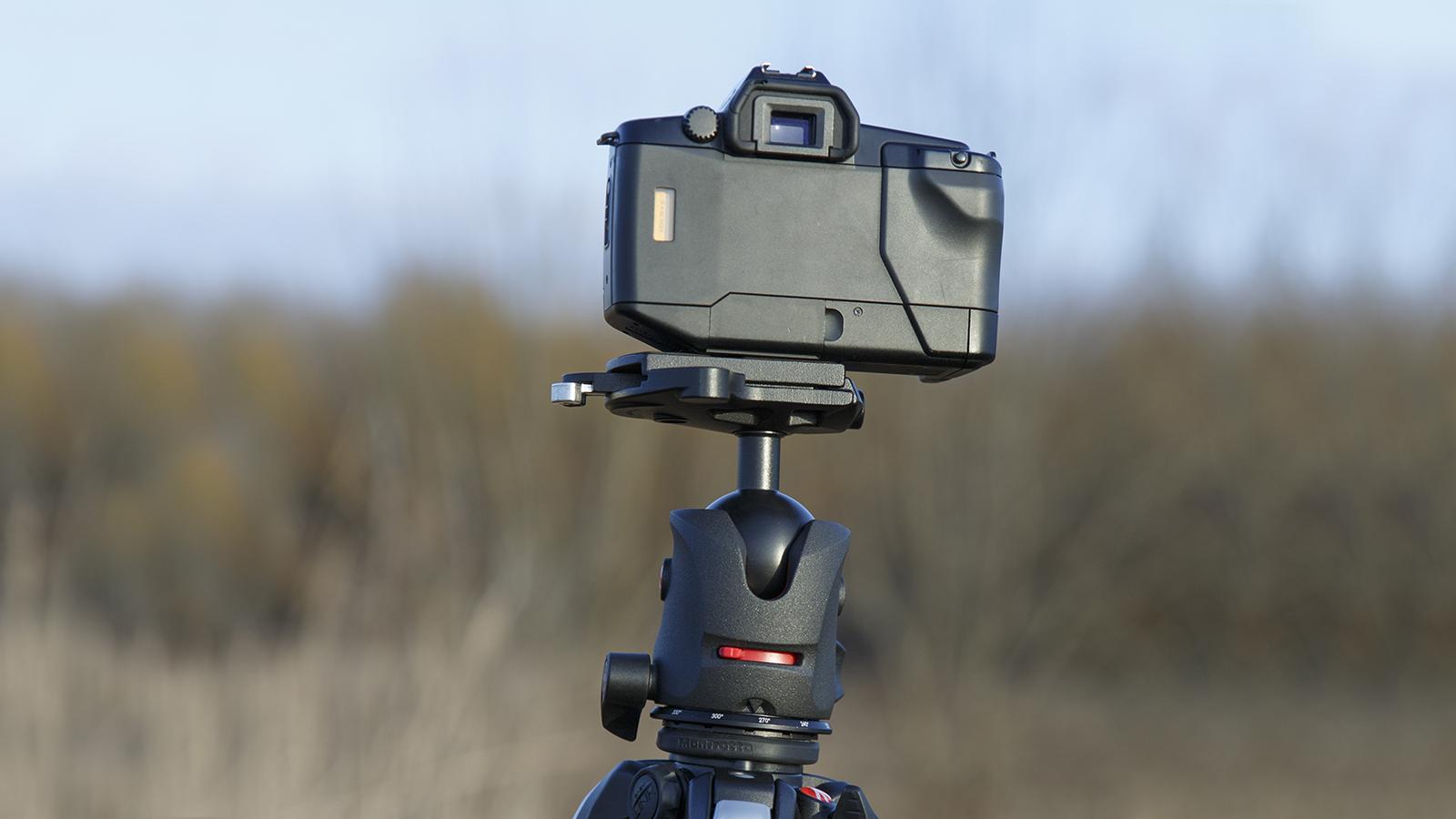 Manfrotto MH055M0-RC4 kuulpea koos Canon EOS650 kaameraga.