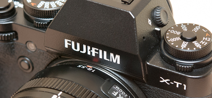 Fujifilm X-T1 hübriidkaamera
