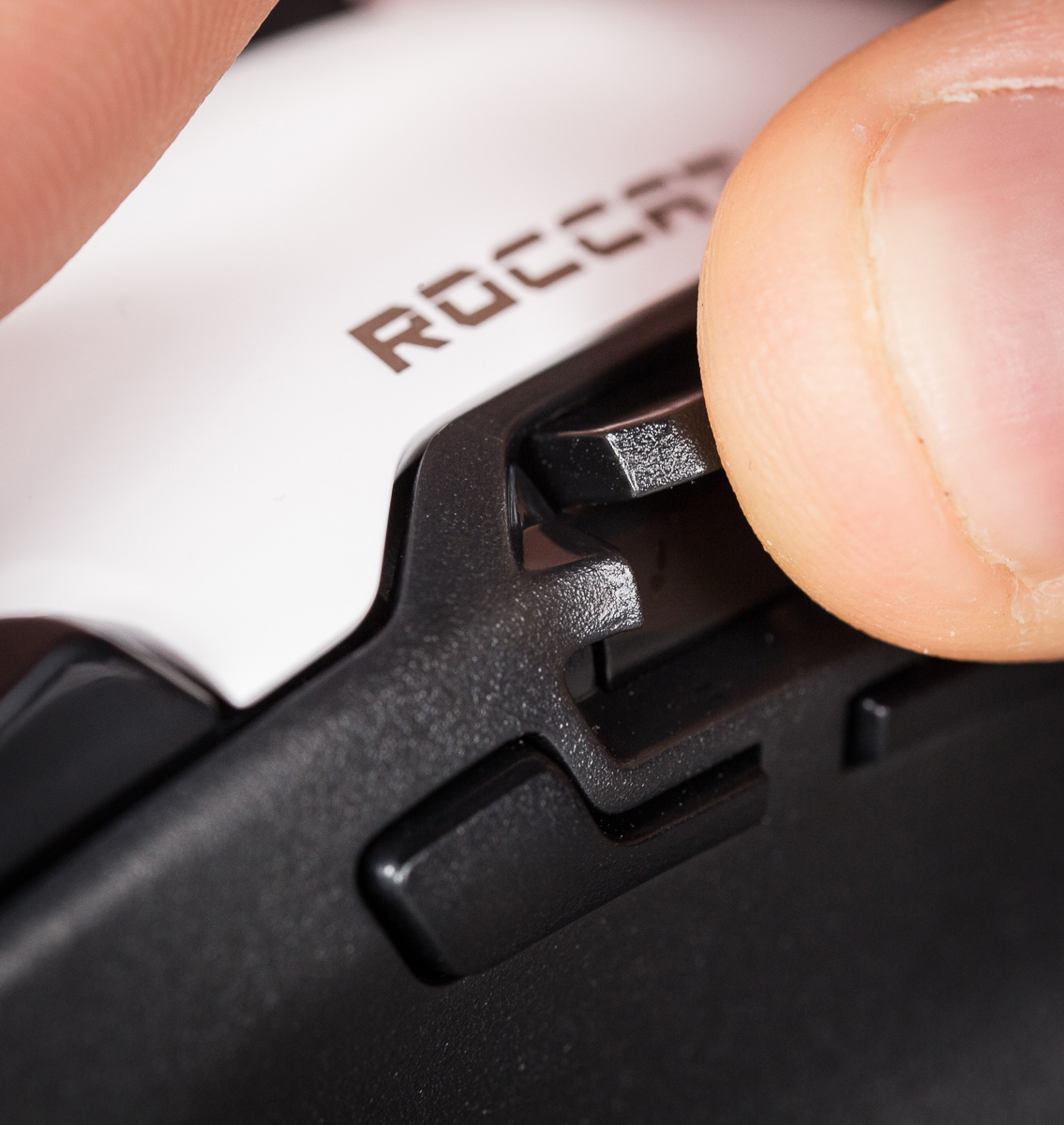 Roccat-tyon-hiir-photopoint-14