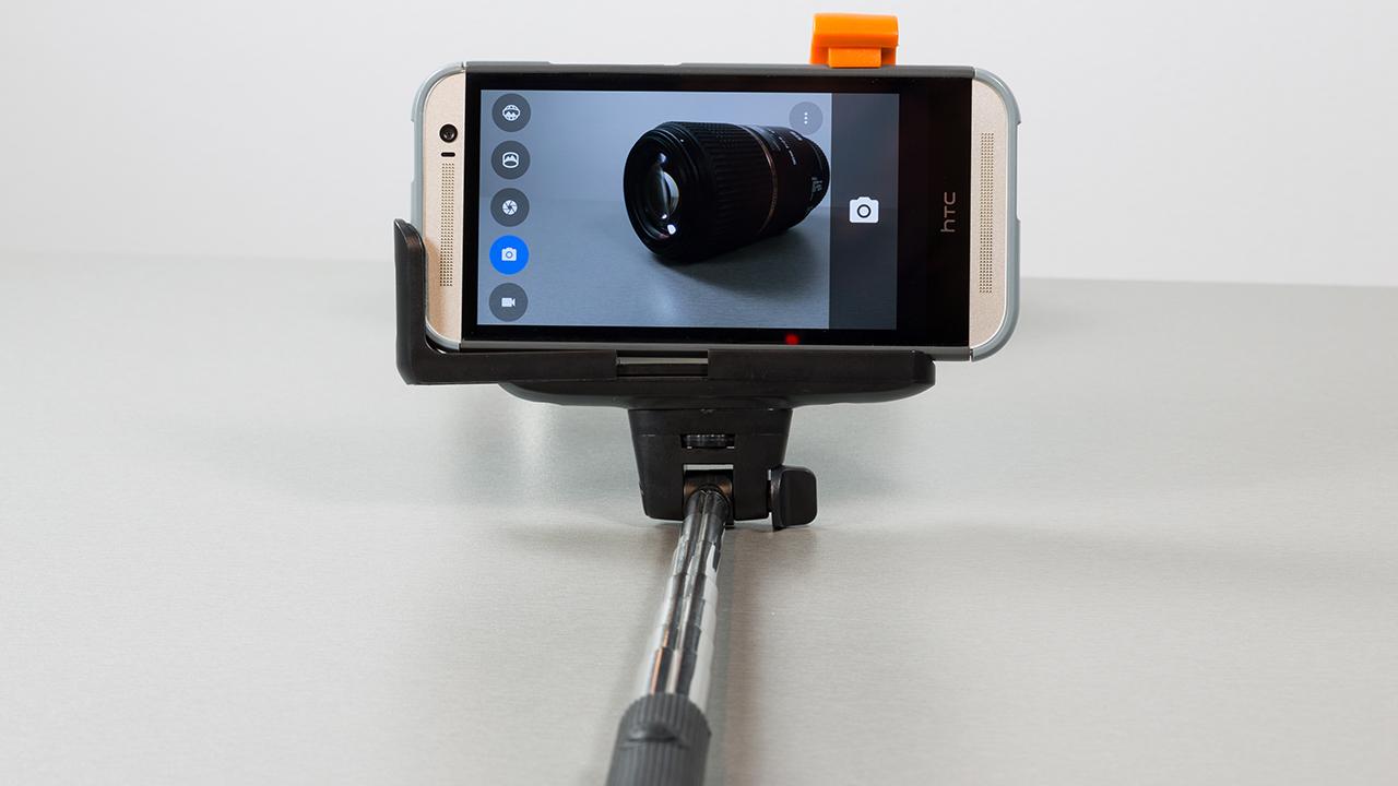 Omega-selfie-monopod-bt-OMMPB-006-statiivpildistamas