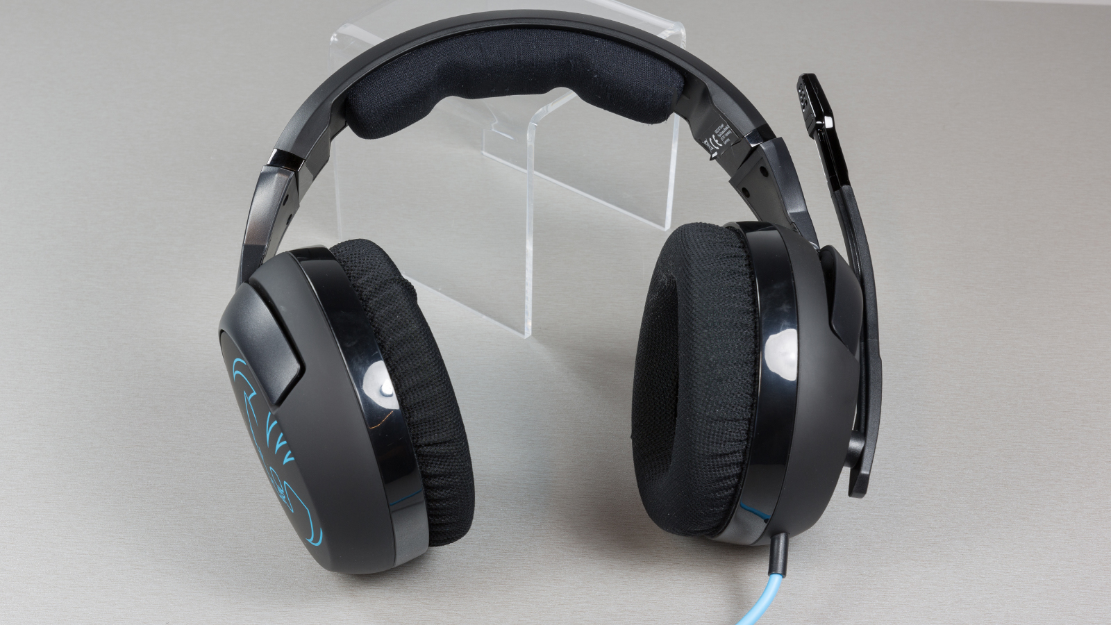 Roccat-Kave-XTD-Stereo-DT-003-disain1