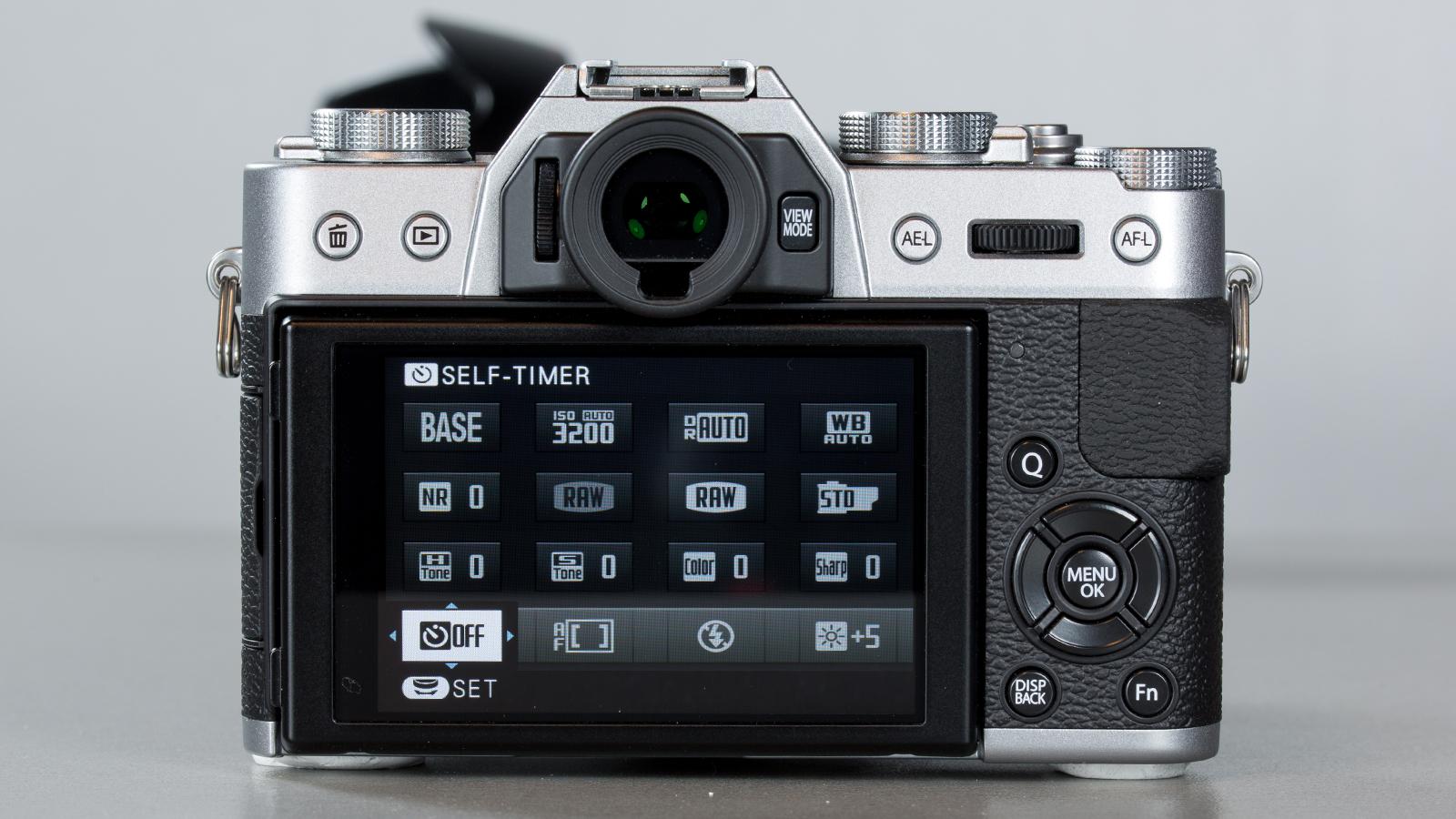 Fujifilm-X-T10-DT-018-qmenyy