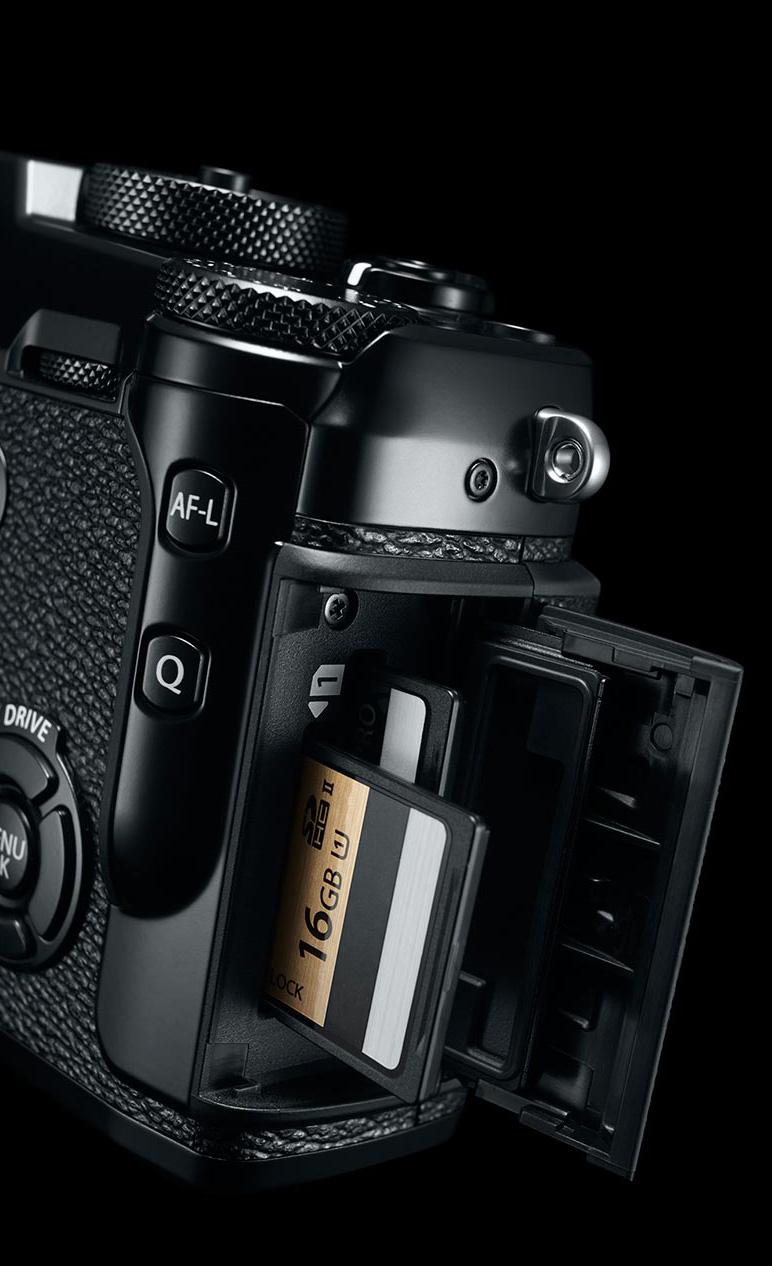 Fujfi-X-Pro2-Dualcard