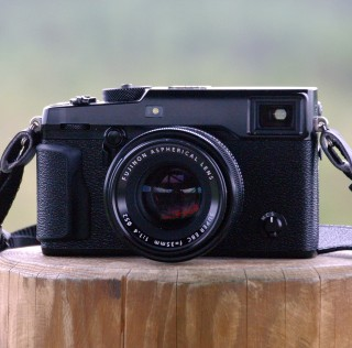 Pimekohting Fujifilm X-Pro2 hübriidkaameraga