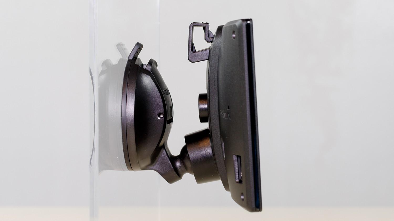 garmin-drive-011-driveassist-03-tagant