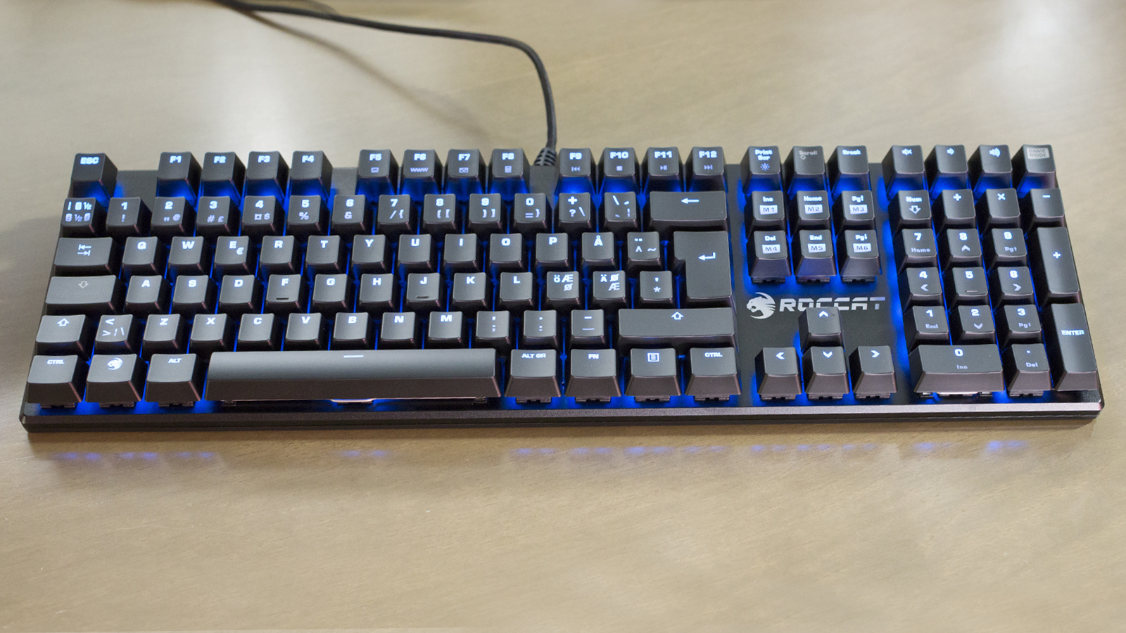 roccat-suora-klaviatuur-010