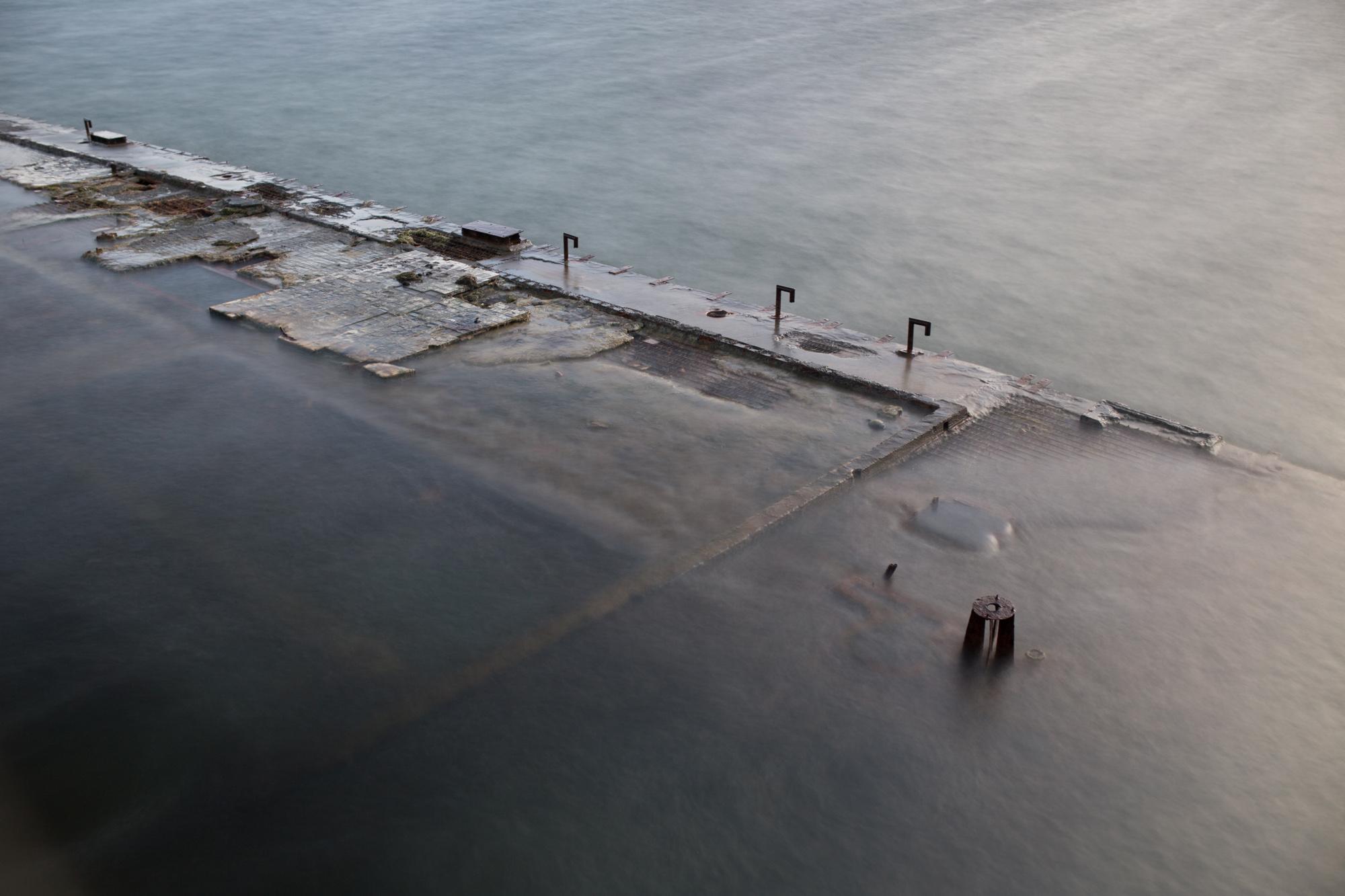 Säriaeg 15 sek | Ava f/4 | Tundlikkus ISO 100 Ilma nii pika säriajata ei oleks saanud suurte lainete tõttu pilti, kus oleks näha, mis vee all üldse on.