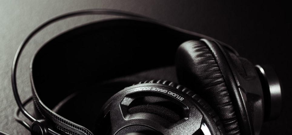 Roccat Renga Boost kõrvaklappide kergekaaluline nauding