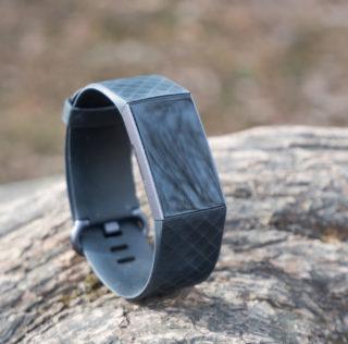 Fitbit Charge 3 kuulub aktiivsusmonitoride tippklassi