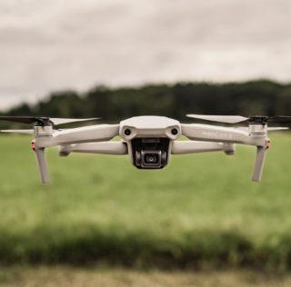 DJI Mavic Air 2 on intelligentse drooni musternäide